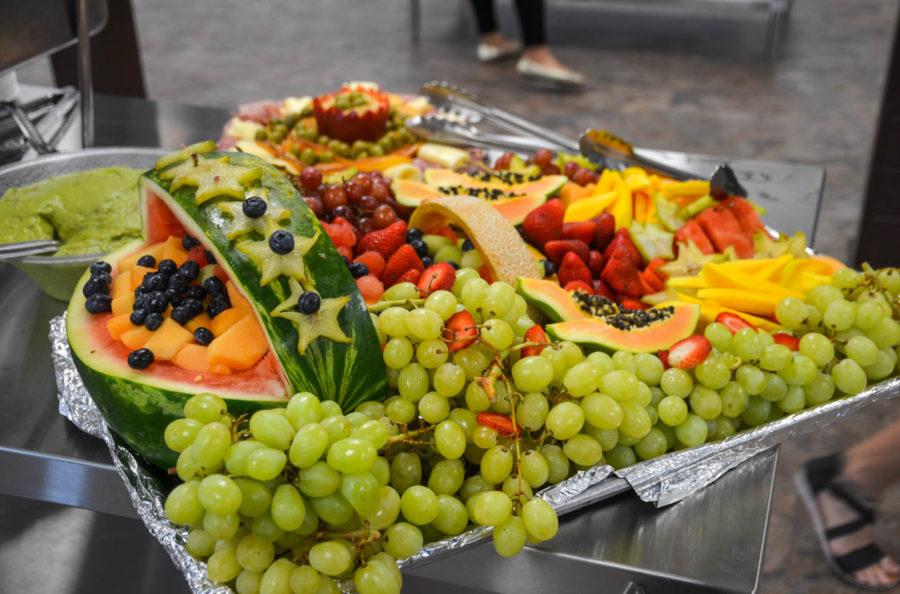 Platter of an assortment of fruit